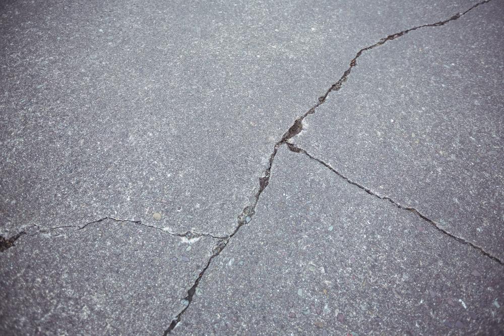 Repair Asphalt Driveway Edge